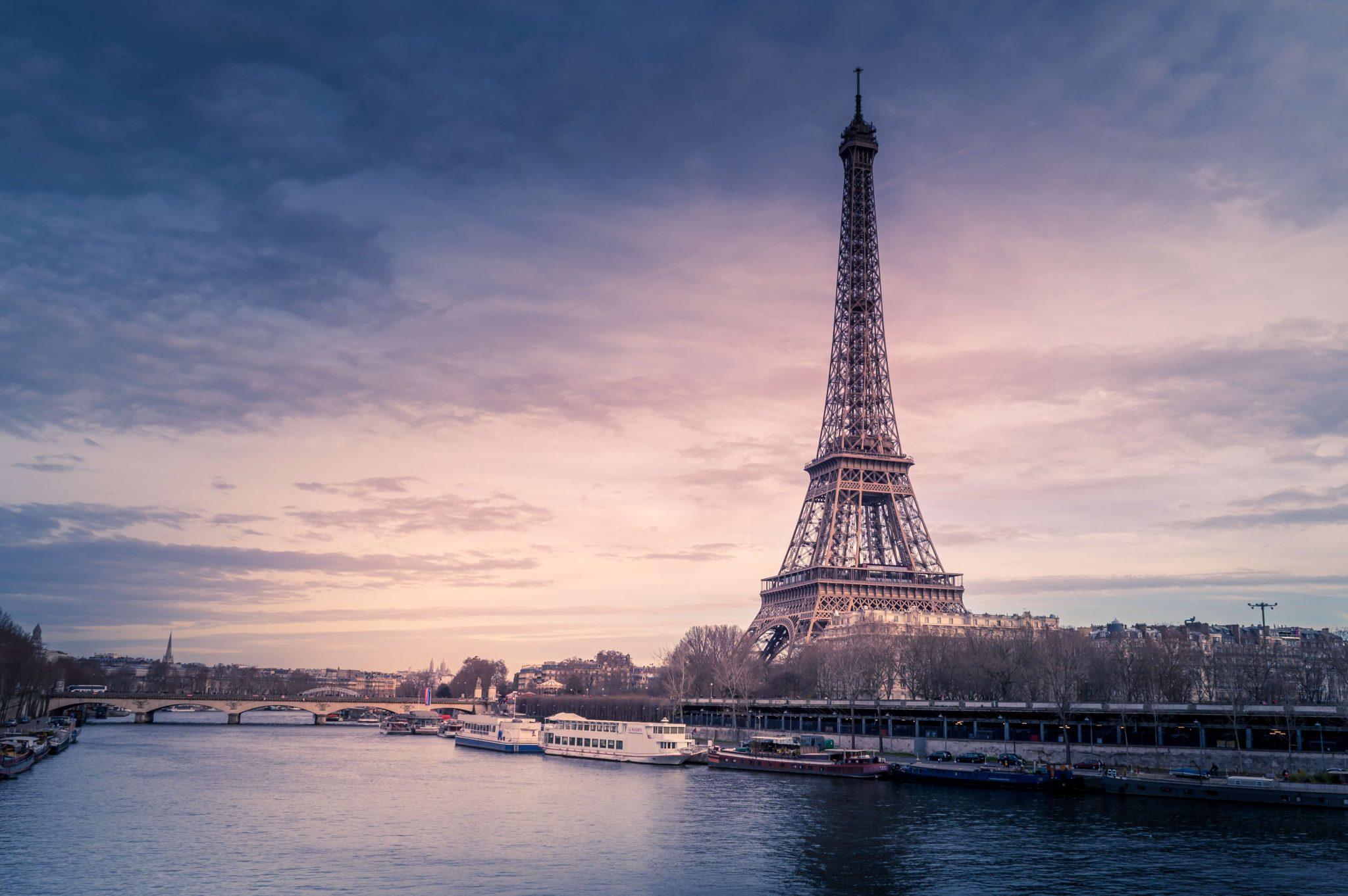 Paríž – bilingválny text úroveň A1